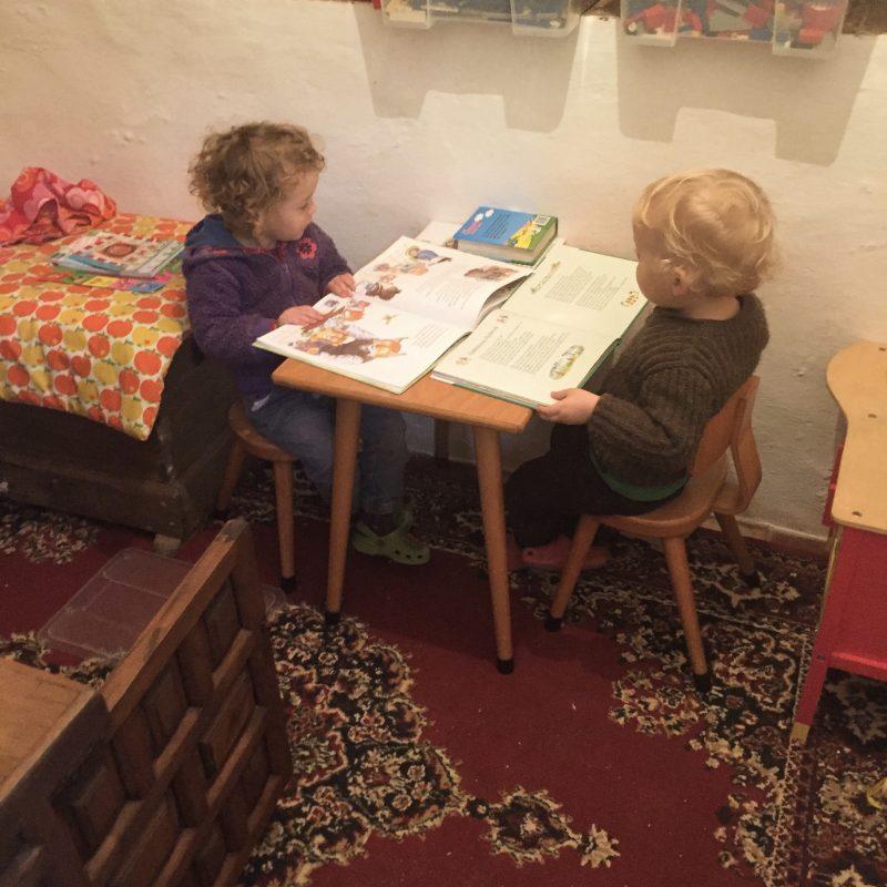 Lekker lezen in de speelkamer