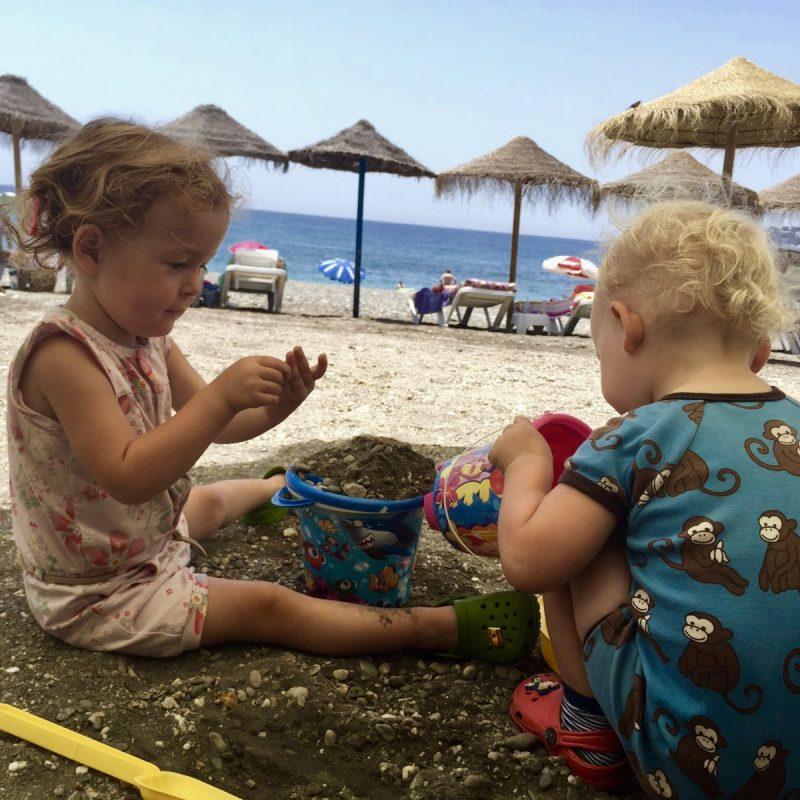 Spelen op het strand!