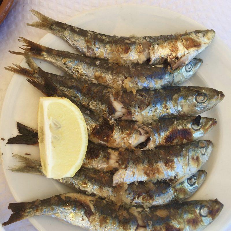 visje eten op het strand! (Camper huren Andalusië)